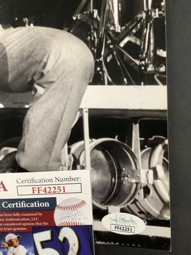 Pete Townshend Signed Photo 11x14 JSA Autograph Roger Daltrey The Who B&W HOF