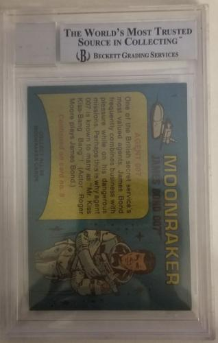 ROGER MOORE Signed 1979 Topps James Bond trading card #1 Moonraker BAS Auth.