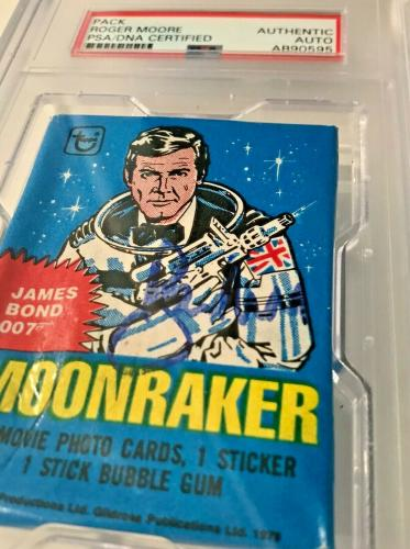 1978 Topps Roger Moore James Bond Moonraker SIgned Wax Pack Signed Auto PSA/DNA