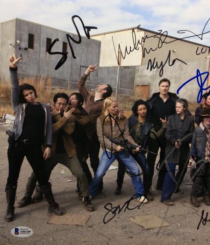 Danai Gurira Norman Reedus Andrew Lincoln +8 Signed 11x14 Photo BAS A06109