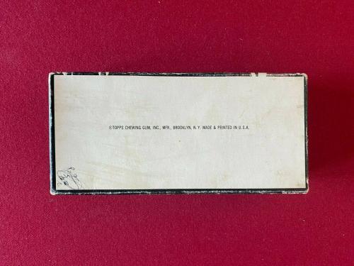 "1964, Beatles, ""TOPPS"", ""COLOR PHOTOS""  Display Box (Scarce / Vintage)"