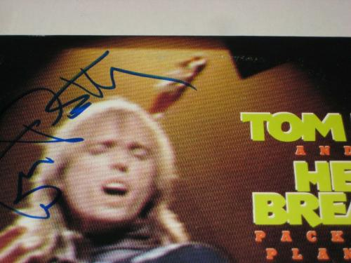 TOM PETTY Signed PACKUP THE PLANTATION LIVE! LP ALBUM COVER w/ Beckett LOA