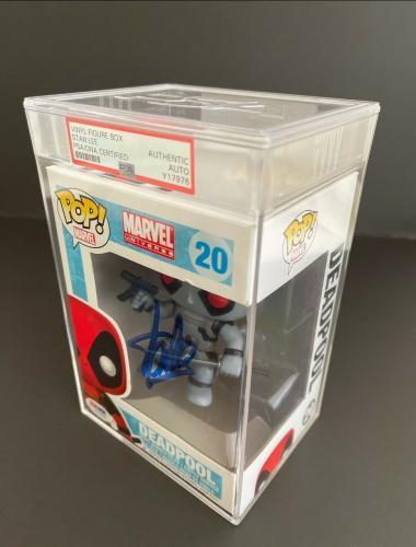 """Stan Lee Signed Marvel """"Deadpool"""" Slabbed Funko POP #20 PSA Y17976"""
