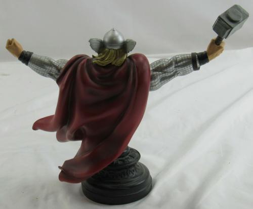 Marvel Universe The Mighty Thor Mini Bust Statue Figure Figurine 330/1500