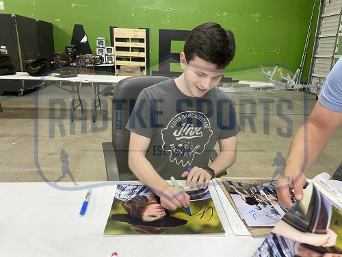 Chandler Riggs Signed The Walking Dead Unframed 11×14 Photo Close Up With Carl Inscription