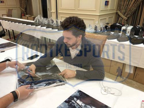 Kit Harington Signed Game of Thrones Framed 16×20 Photo – Battle of the Bastards