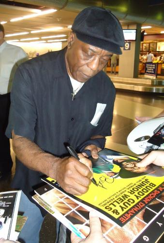 Buddy Guy Signed Album w/Beckett COA Blues Legend Chicago Proof T56486