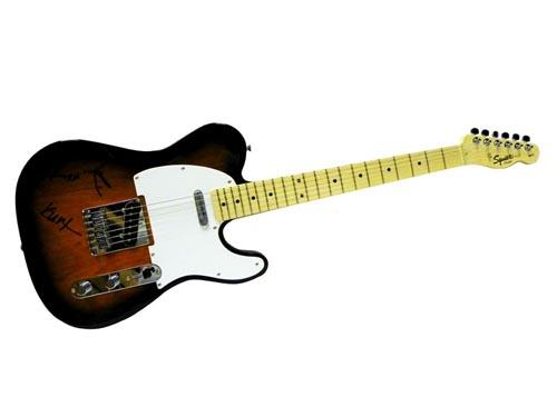 Nirvana Facsimile Signature   Fender Guitar Kurt Cobain David Grohl Krist
