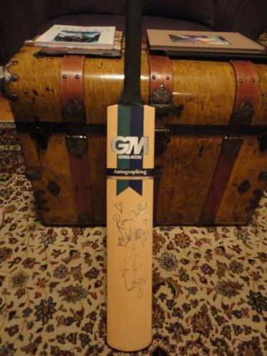 Rolling Stones Signed Cricket Bat      Mick Jagger+ron Wood+watts     Jsa Letter