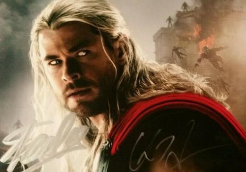Stan Lee Chris Hemsworth Thor Avengers Age of Ultron AUTO Signed JSA BGS