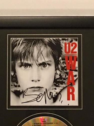 "Bono Signed Framed 12x18 ""war"" Cd & Photo Display U2 Legend Proof Jsa Loa"
