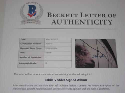 EDDIE VEDDER Signed VS. Album w/ Beckett LOA GRADED 10