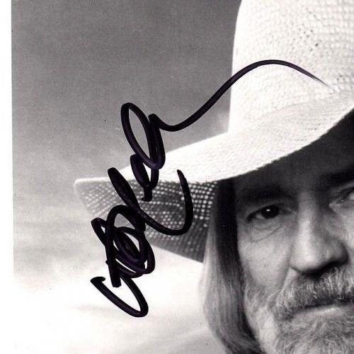 WILLIE NELSON Signed Autographed 8x10 Photo BECKETT BAS #E05989