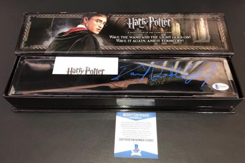 Daniel Radcliffe Signed Harry Potter Noble Collection Illuminating Wand Beckett