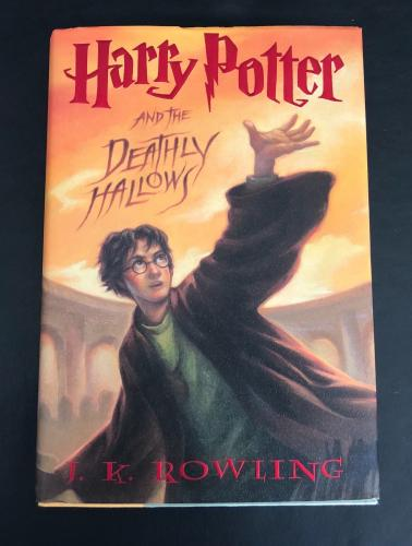 Daniel Radcliffe Signed Harry Potter And The Deathly Hallows Book Beckett Bas 2