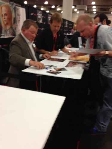 William Shatner Star Trek Signed Autographed Color 8x10 Photo Psa Dna Aa33709