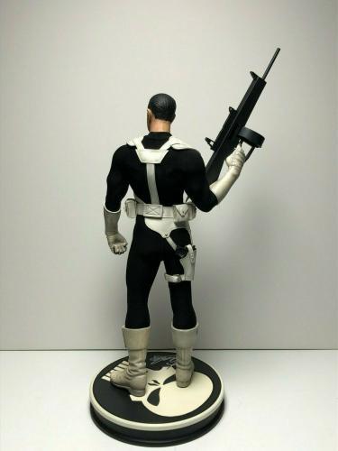 Stan Lee Signed 'The Punisher' Premium Format Marvel Figure/Statue PSA AC16734