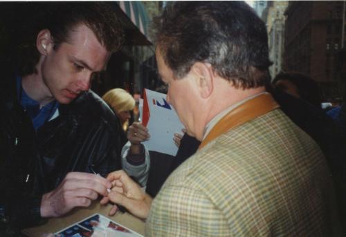 William Shatner Star Trek Signed Autographed Color 8x10 Photo Psa Dna Aa33698