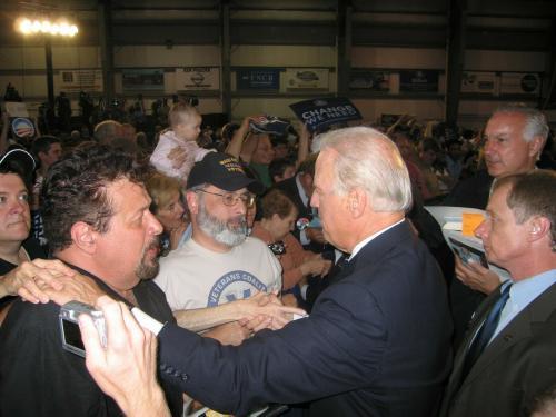 President Joe Biden Signed Photo Color 8x10 Beckett Bas Coa