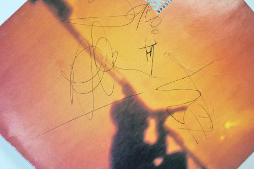 U2 (4) Bono, Edge, Mullen & Clayton Signed Under A Blood Red Sky Album Cover JSA