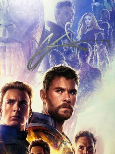 Chris Hemsworth Signed Marvel 'Avengers: Endgame' 12x18 Photo *Thor PSA AE84987