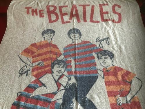 """1964, BEATLES, Large Beach Towel """"NEMS"""" (Scarce / Vintage)"""