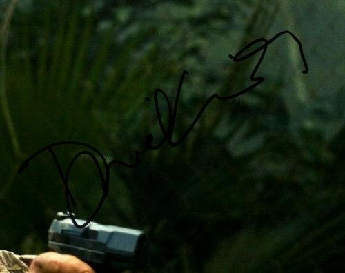 "DANIEL CRAIG Signed Autographed ""JAMES BOND 007"" 11x14 Photo Beckett BAS #D29460"