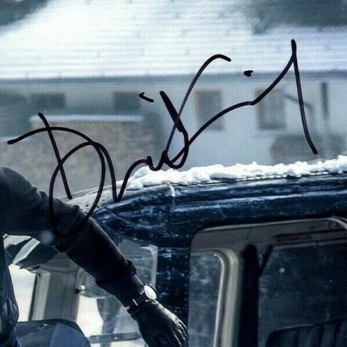 "DANIEL CRAIG Signed Autographed ""JAMES BOND 007"" 11x14 Photo Beckett BAS #D29423"