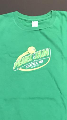 Pearl Jam Seattle T shirt  Event Gig Show Dec 6 2013 Condition Worn Size Large