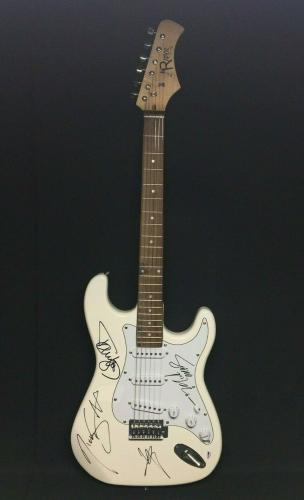 Vince Neil Tommy Lee Nikki Sixx Mick Mars Signed Electric Guitar Motley Crue PSA