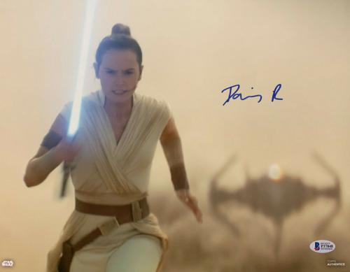 Daisy Ridley Signed Star Wars Jedi Skywalker 11x14 Photo - Rey Beckett BAS 8
