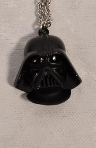 Star Wars Darth Vader Helmut Mask Necklace Pendant Chain Factors 1977 New