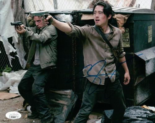 Steven Yeun  Signed Autographed 8X10 Photo The Walking Dead JSA II22697