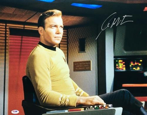 William Shatner Signed 'Star Trek' 16x20 Photo PSA 7A30295