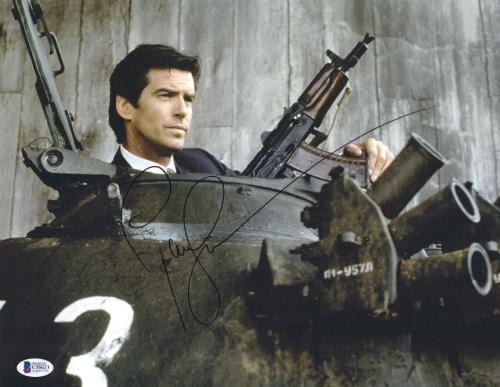 Pierce Brosnan Autographed 11x14 James Bond Tank Photo Beckett BAS COA