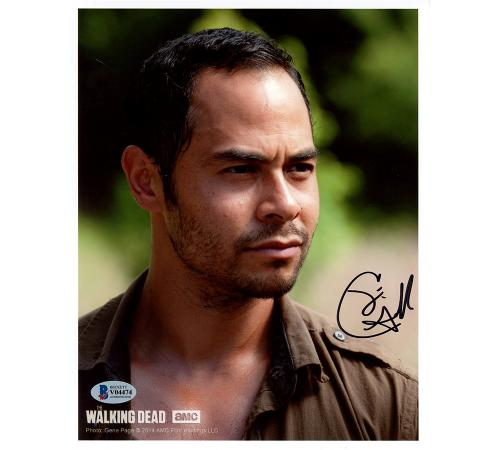 Jose Pable Signed The Walking Dead Unframed 8×10 Photo
