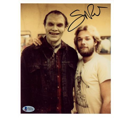 Greg Nicotero Signed The Walking Dead Unframed 8×10 Photo – Zombie Smiling