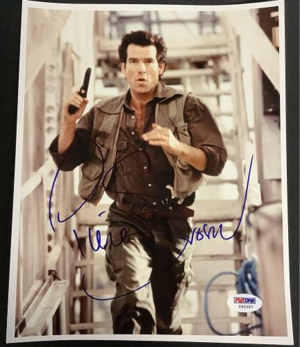 Pierce Brosnan Signed Photo 8x10 James Bond 007 Mamma Mia Autograph PSA/DNA 3