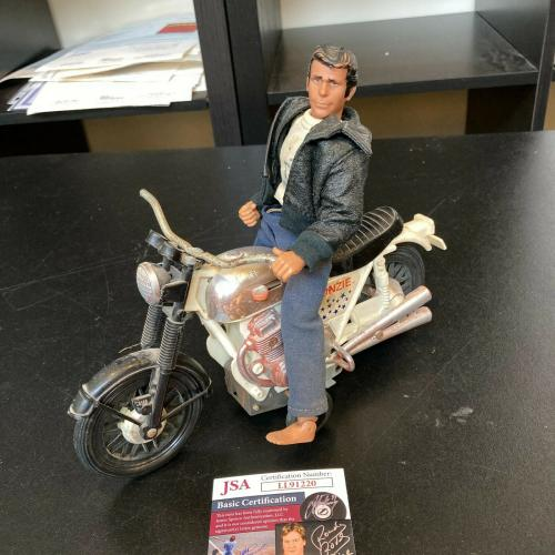 Henry Winkler Signed 1976 Happy Days Fonzie Action Figure With Motorcycle
