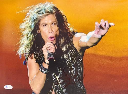 Steven Tyler Signed 11 x 14 Aerosmith Reaching Out Photo Beckett BAS COA