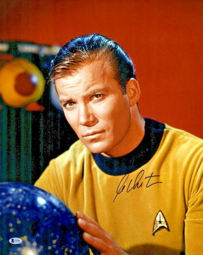 William Shatner Signed 16x20 Star Trek Photo Beckett BAS Witnessed COA