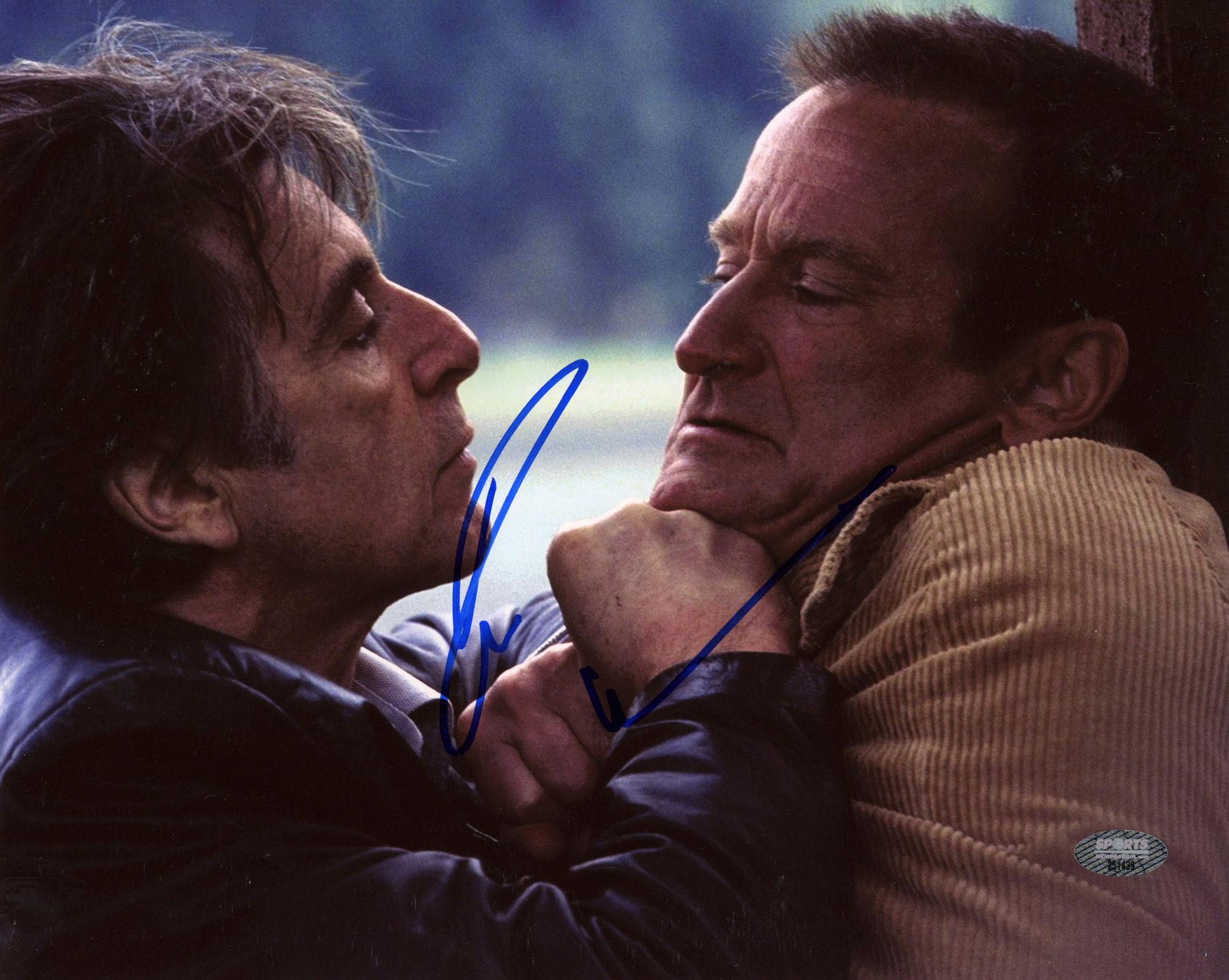 Robin Williams Autographed Insomnia 8x10 Photo - SM HOLO