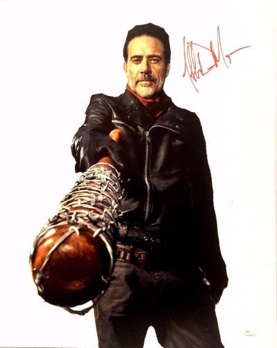 """JEFFREY DEAN MORGAN Signed Walking Dead """"NEGAN"""" 16x20 Photo JSA #WP446169"""