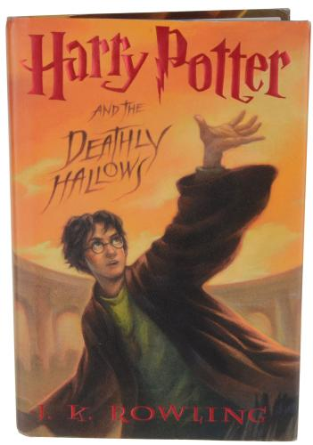 Daniel Radcliffe Harry Potter Autographed Deathly Hollows Book - BAS