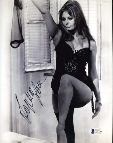 Last One. IMAGE 1 of 2 · SOPHIA LOREN BAS BECKETT COA Signed 8X10 Photo  Autograph Authenticated c5dd9f618