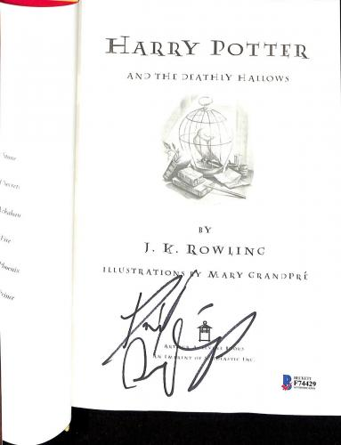 Daniel Radcliffe Signed Harry Potter & The Deathly Hallows Book Beckett Bas 1