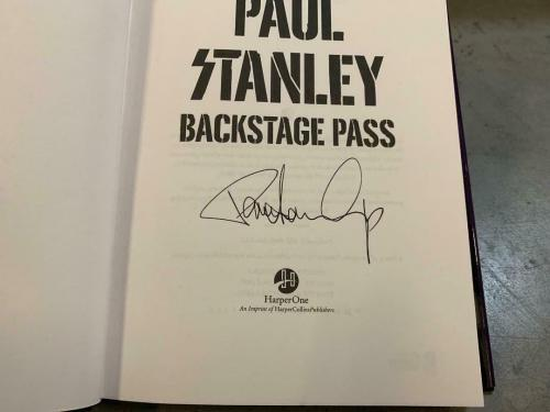 Paul Stanley Backstage Pass Kiss Signed Autographed Book Beckett Certified