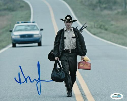 ANDREW LINCOLN signed (THE WALKING DEAD) 8X10 photo *Rick Grimes* TWD ACOA #4