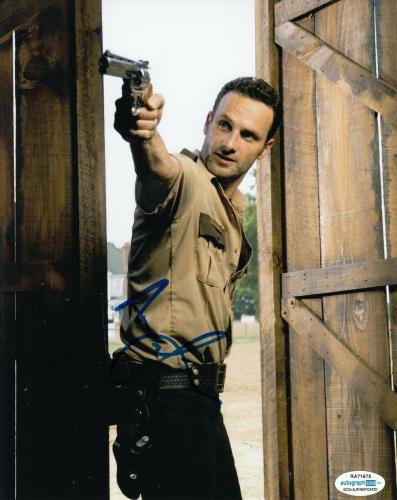 ANDREW LINCOLN signed (THE WALKING DEAD) 8X10 photo *Rick Grimes* TWD ACOA #3