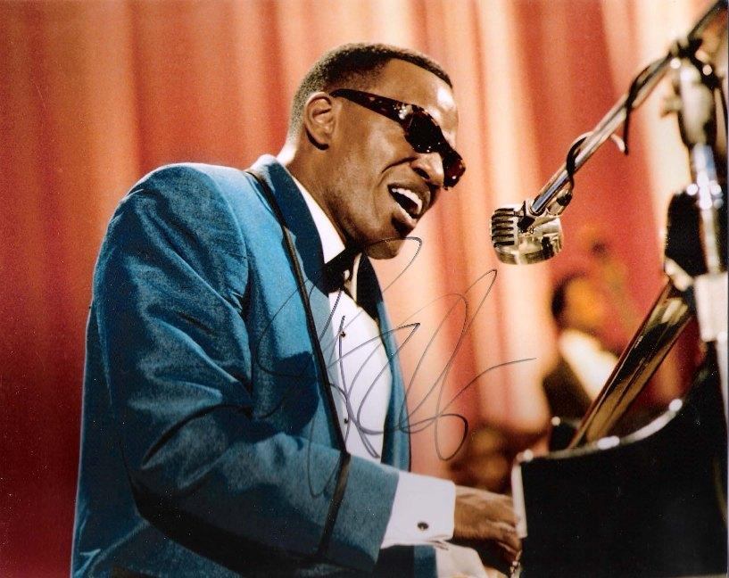 """JAMIE FOXX """"RAY"""" as RAY CHARLES Autographed 10x8 Color Photo"""